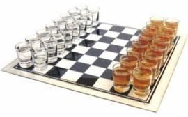 Trinkspiel - Glas-Party - Schach - Bild vergrößern
