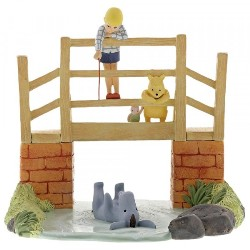 Winnie Pooh Classic - Enchanting Enesco Figurine
