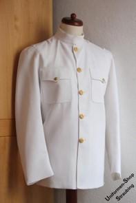 Pos. 132_5062: US Navy Dress White Choker Jacke Offizier US-Gr. 42L (gebraucht)